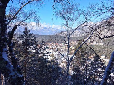 вид на Чемал с высоты клуба Айтау